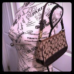Authentic Coach logo purse.Shoulder bag
